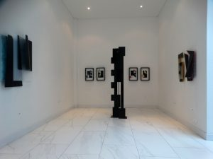 Black Sculpture by Juan Mejia, famous colombian sculptor, contemporary art for sale, miami etra fine art gallery news, black metal large sculpture, gallery, Plecto Galeria in Medellin