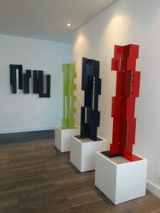 Sculpture Artworks by Juan Mejia, red, gree, black, famous sculptures, contemporary sculpture for sale, large sculpture, miami etra fine art news, Plecto Galeria in Medellin